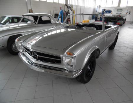 Mercedes 250 sl anno 1967